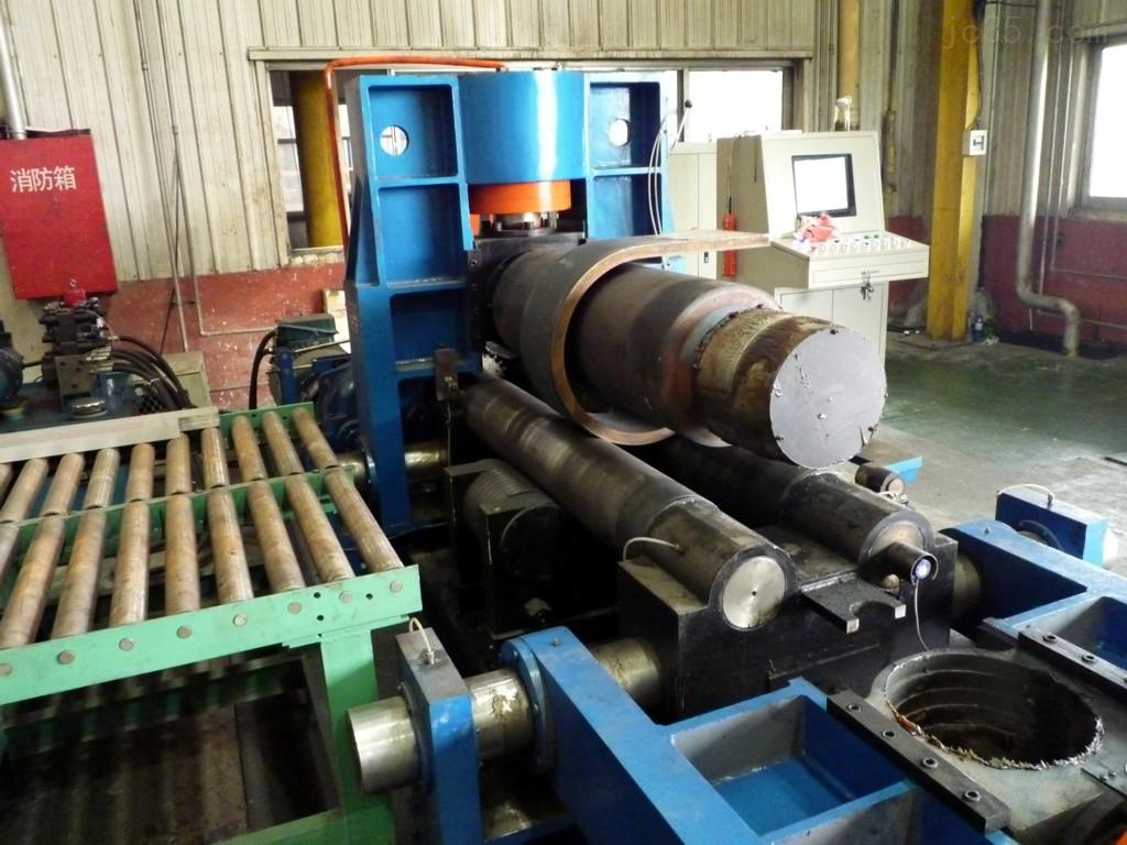液压卷板机的工作原理和特点