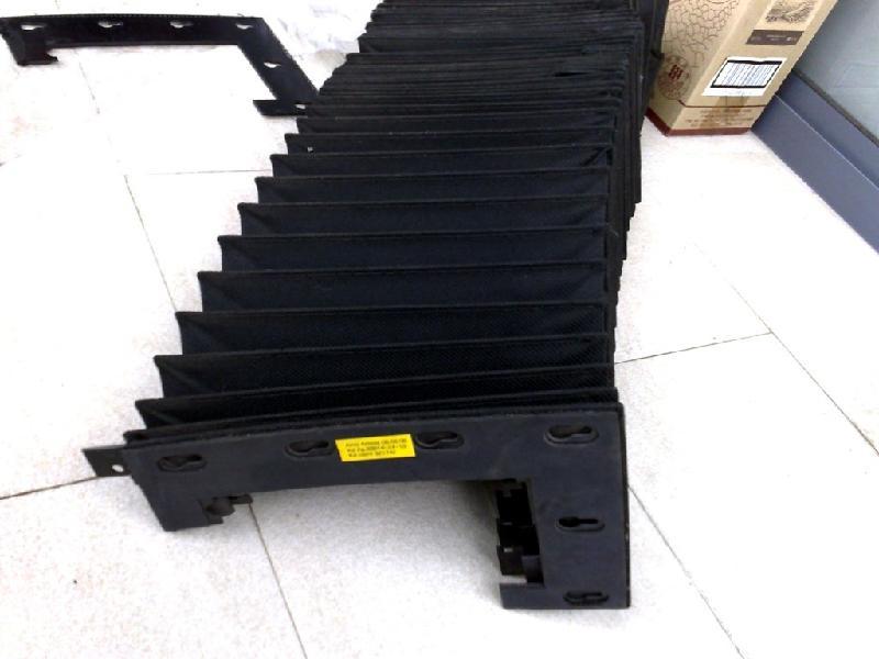 机床伸缩式风琴护罩产品图